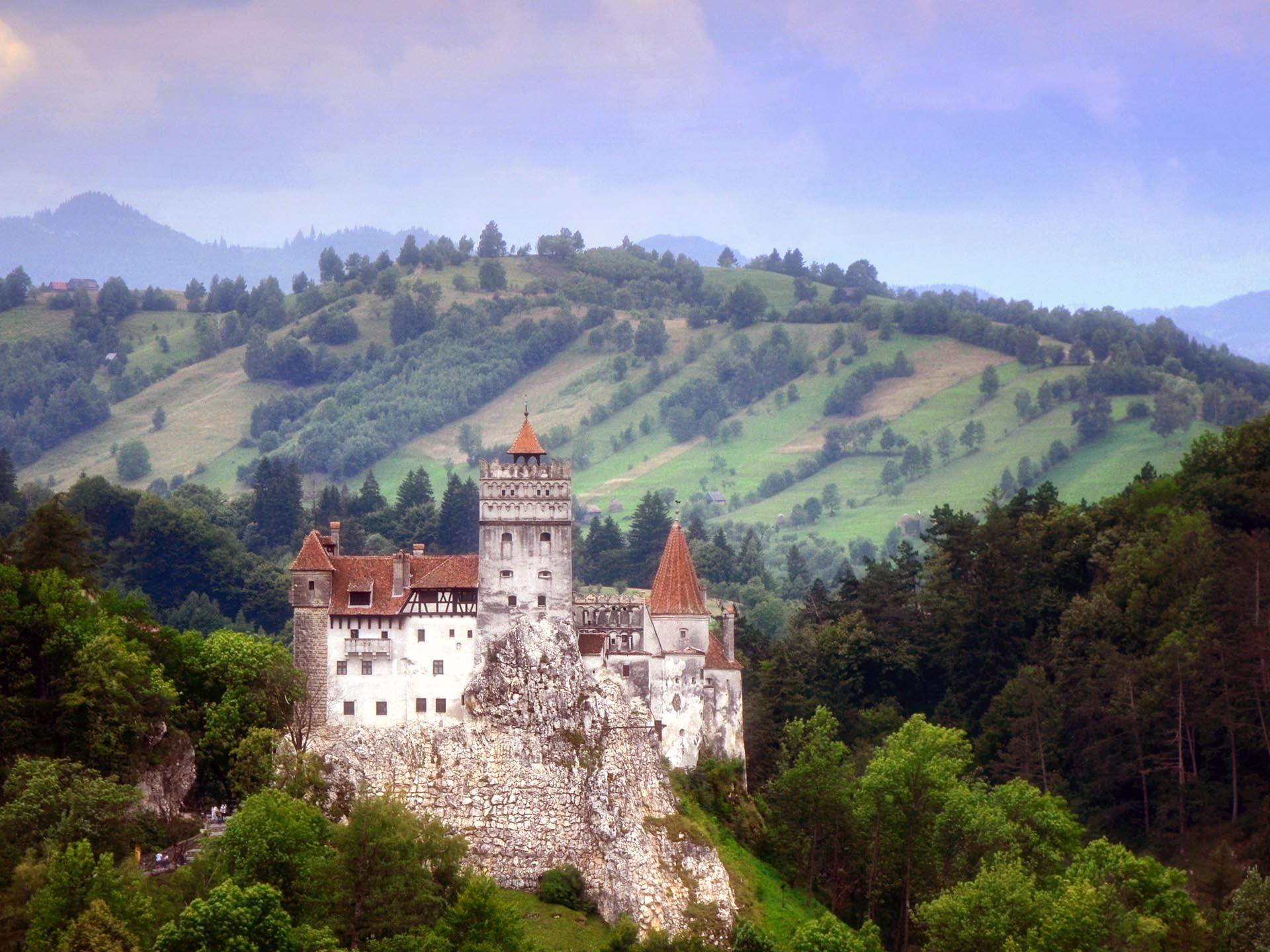 Dracula Castle Arte Ate Voce