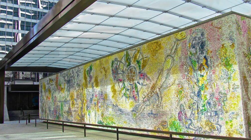 Um dos mosaicos de As quatro Estações, 1974. Chicago, EUA