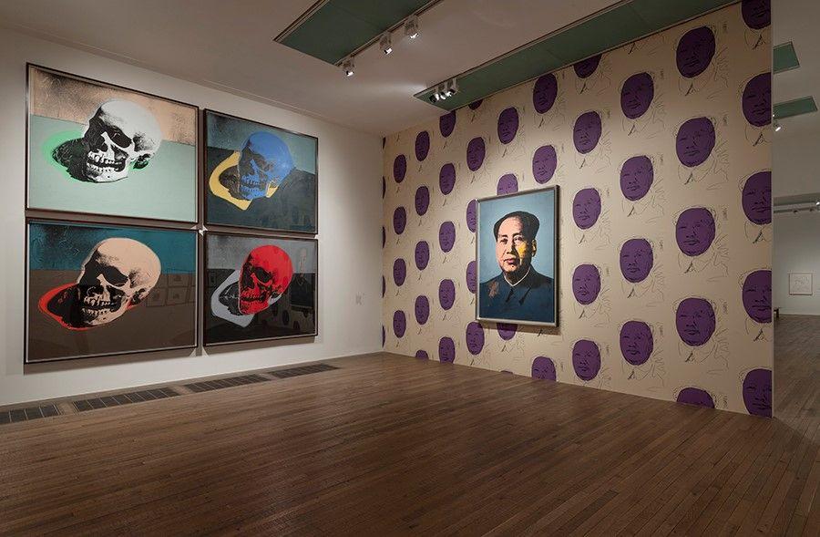 Andy Warhol, Mao e Skulls (Caveiras), na exposição da Tate Modern